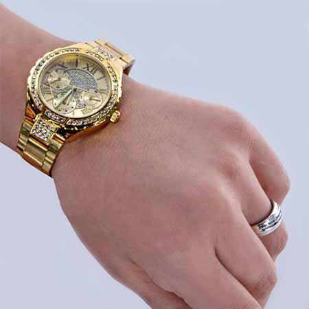 ساعت مچی طلایی زنانه Guess
